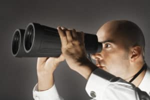 Een backlink checker is een nuttige tool als je wil achterhalen waar je backlinks naar jouw website hebt staan. Een check van je backllinks biedt je inzicht in de spreiding van je bereik en de populariteit van je website. Met een check door je backlink checker kan je ook links terugvinden die een negatief effect op je linkbuilding hebben.